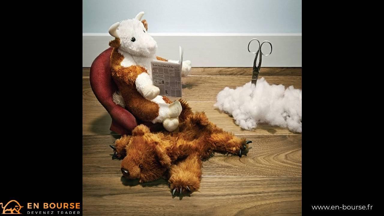 Taureau lisant sur un fauteuil, les pattes sur une peau d'ours