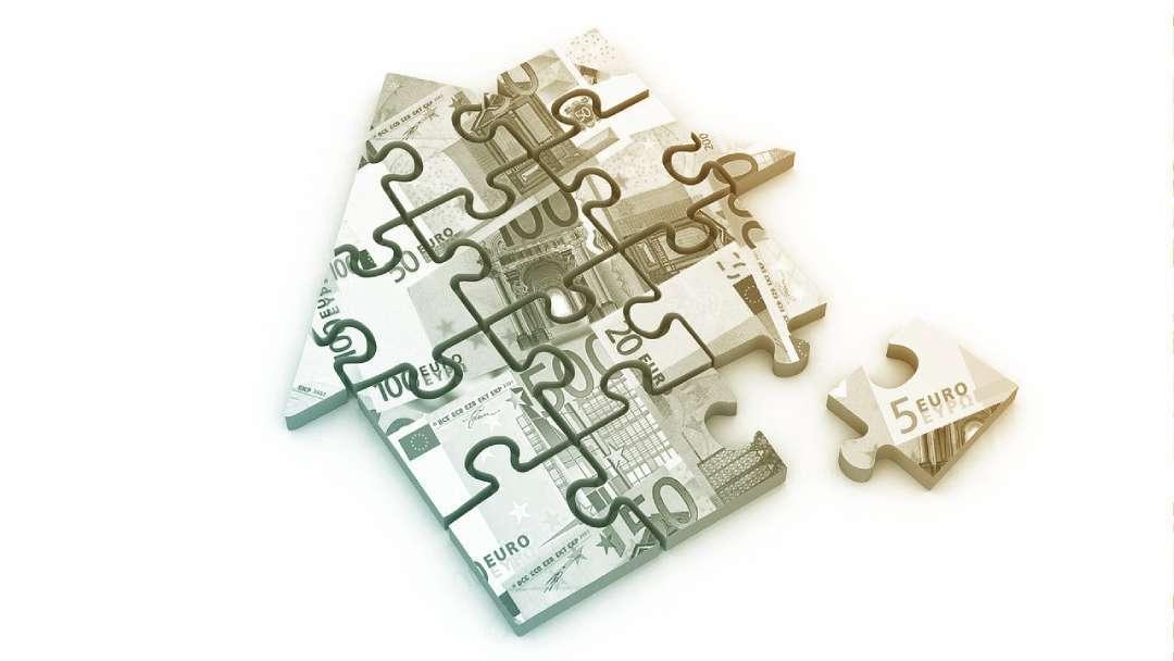 Maison puzzle en euros