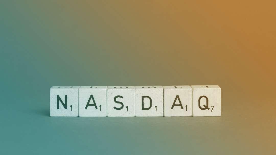 NASDAQ en lettres de scrabble