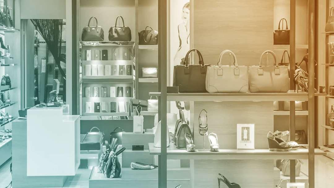 intérieur d'une boutique de luxe