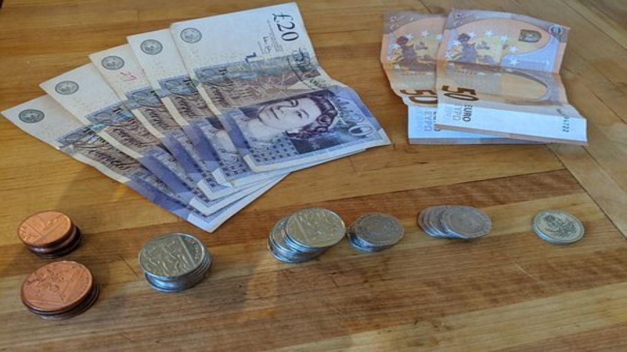 Euros et livres Sterling