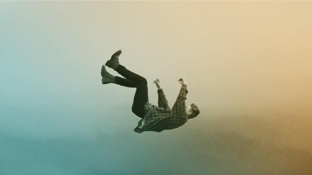 Homme qui chute