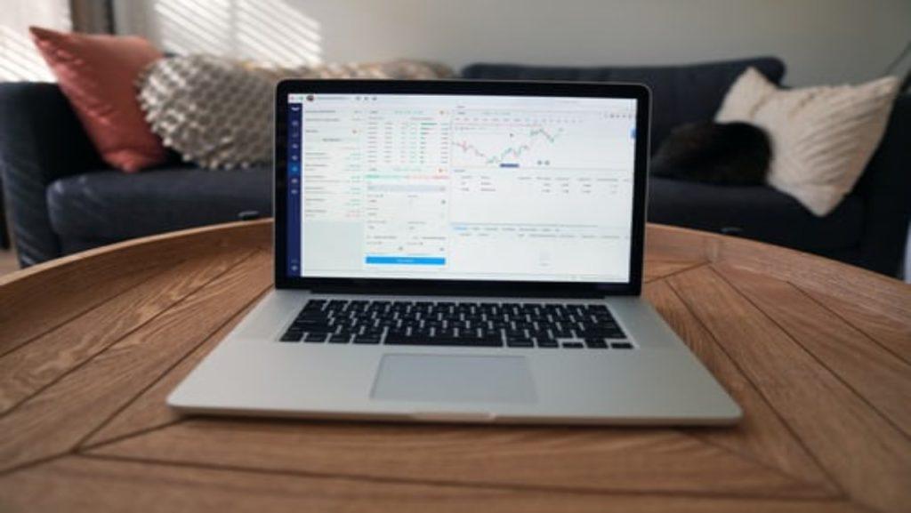 Plateforme de trading sur ordinateur portable