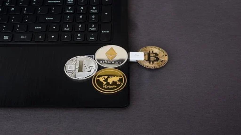 Jetons de crypto-monnaies sur un ordinateur