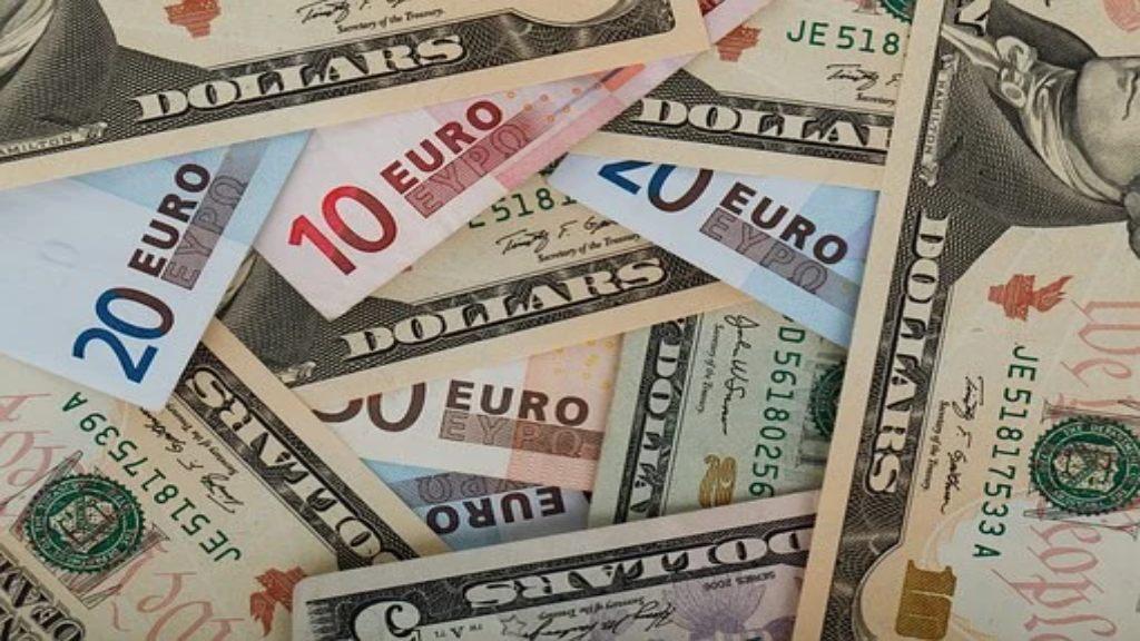 Billets euro et dollar us