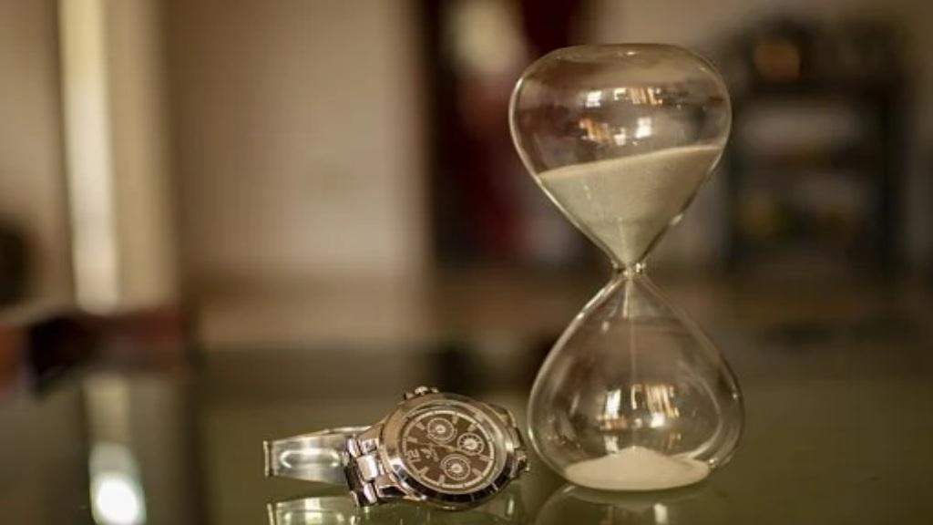 Sablier et montre